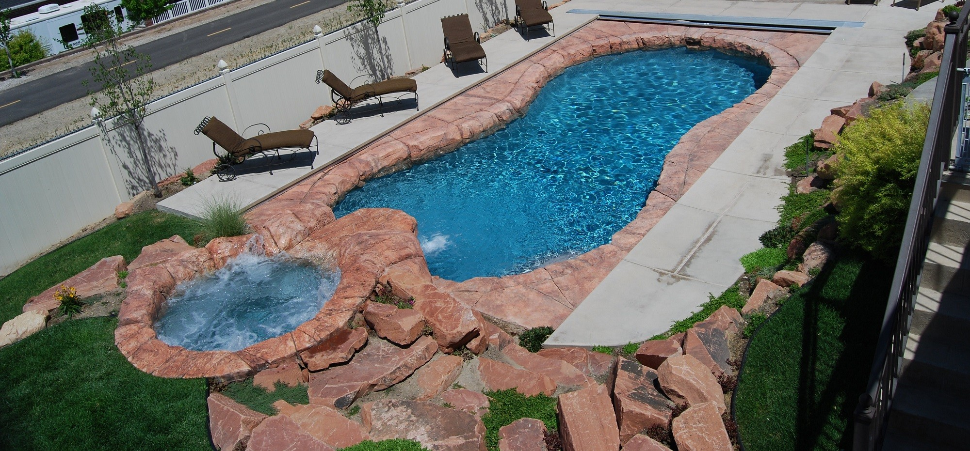 crystal pools & spas pool slider1